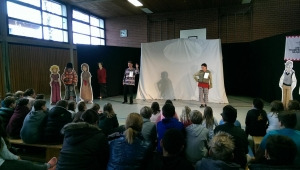 "Theater ""Trampelmuse"" an der MES"